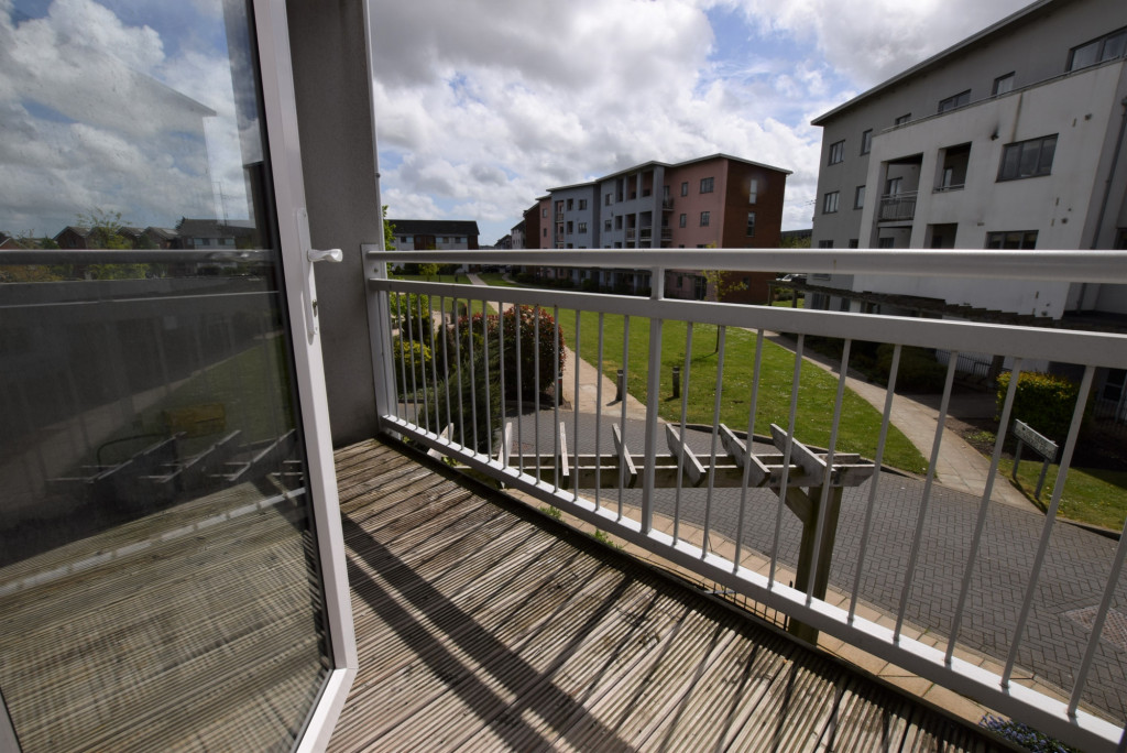 2 bed apartment for sale in Drummond Grove, Willesborough, Ashford 1