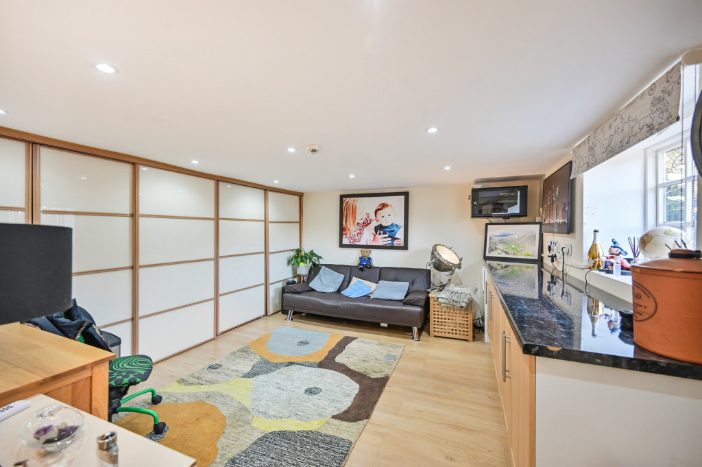 4 bed detached house for sale in Diamond Farm, Coxhill Road, Shepherdswell, Dover  - Property Image 15