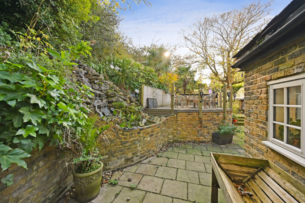 4 bed detached house for sale in Diamond Farm, Coxhill Road, Shepherdswell, Dover  - Property Image 16