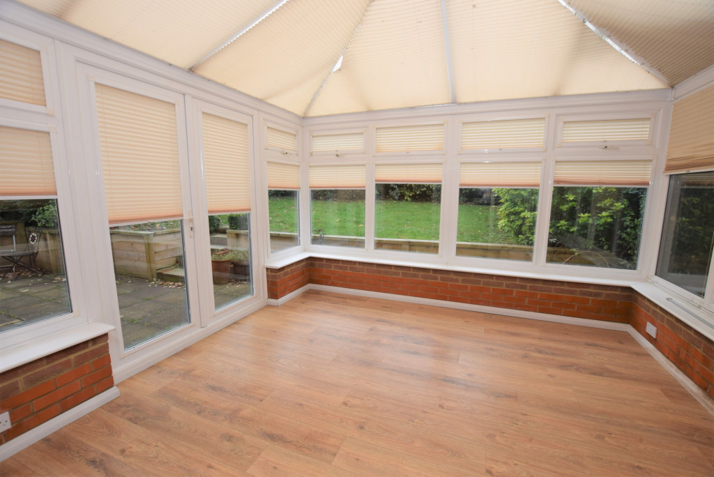 4 bed detached house to rent in Millstream Green, Ashford 7
