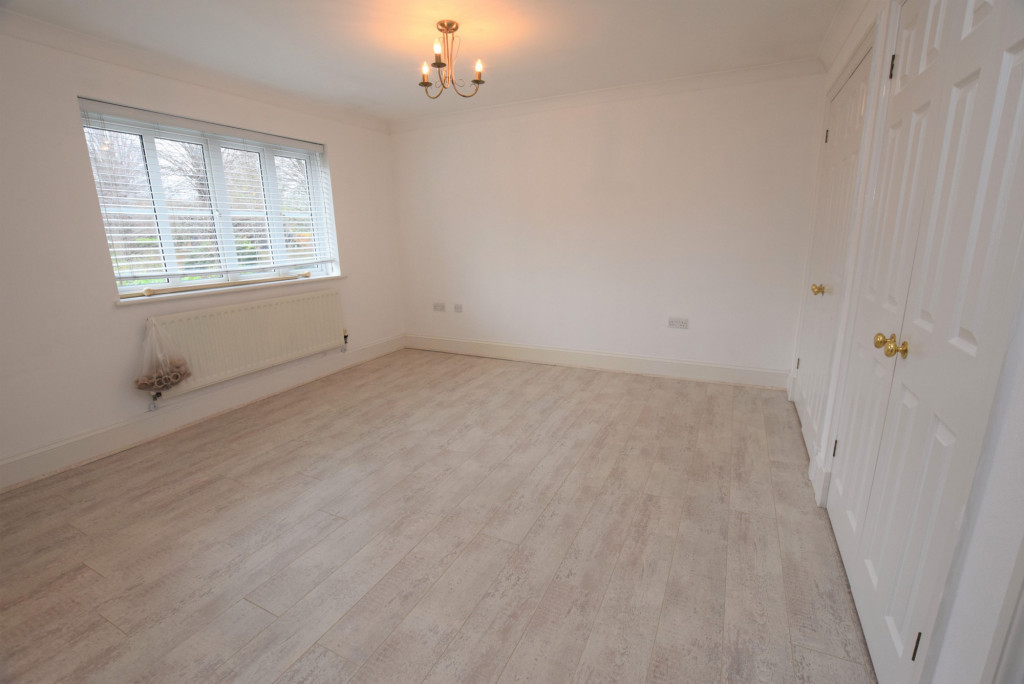 4 bed detached house to rent in Millstream Green, Ashford 9