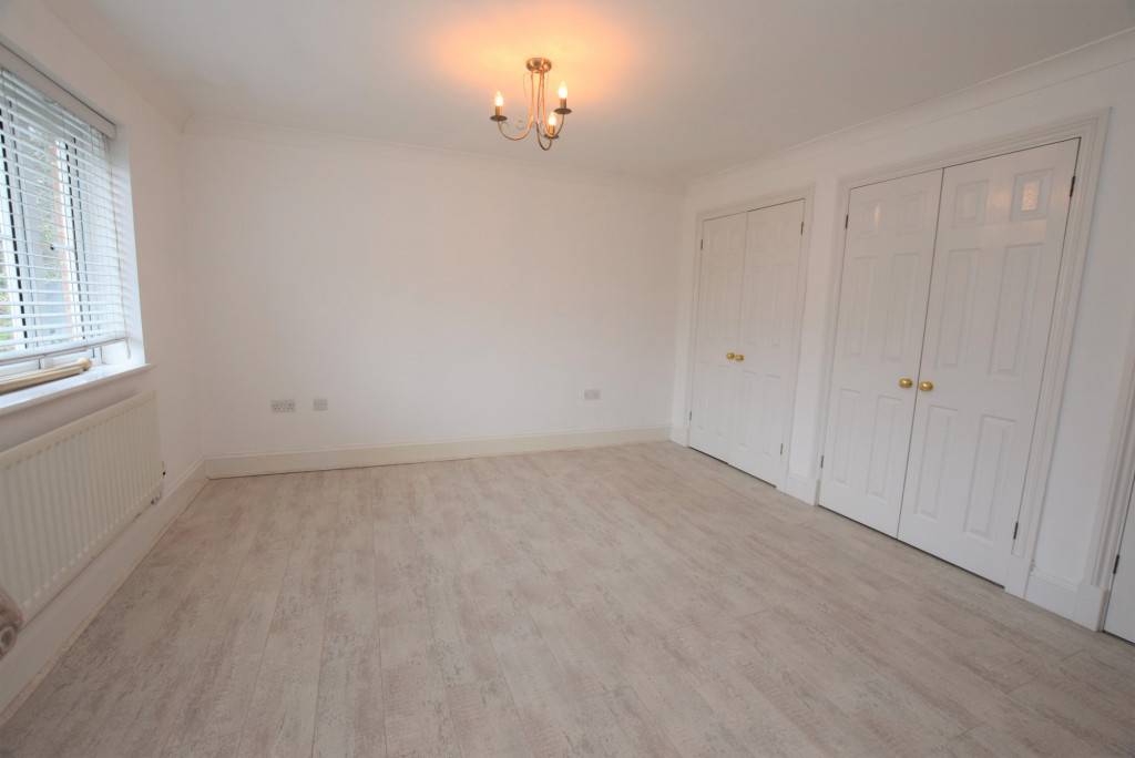 4 bed detached house to rent in Millstream Green, Ashford 10