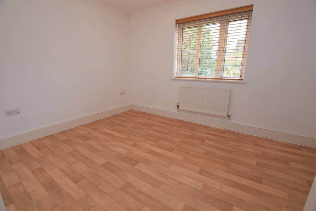 4 bed detached house to rent in Millstream Green, Ashford 13