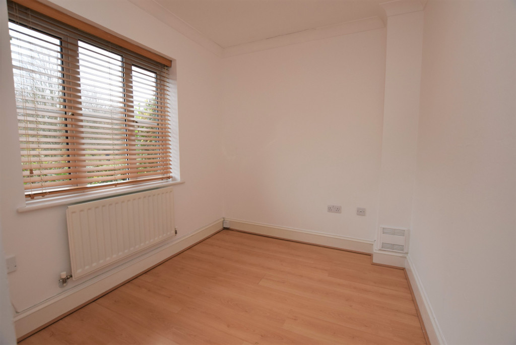 4 bed detached house to rent in Millstream Green, Ashford 14