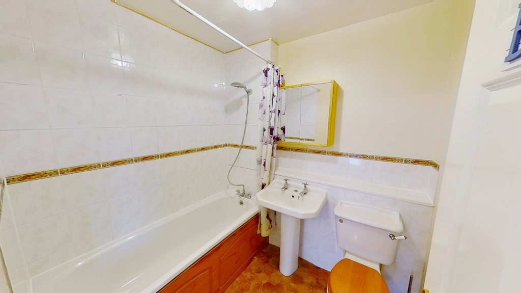 2 bed end of terrace house for sale in Mitchell Avenue, Hawkinge, Folkestone 6