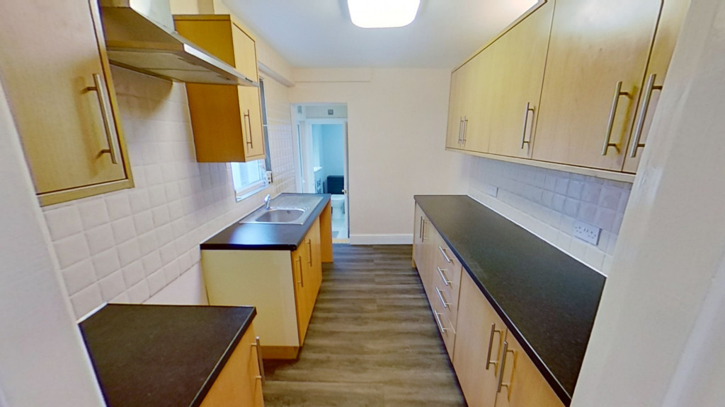 3 bed terraced house for sale in Curtis Road, Ashford 3