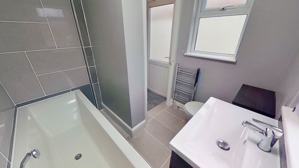 3 bed terraced house for sale in Curtis Road, Ashford 4