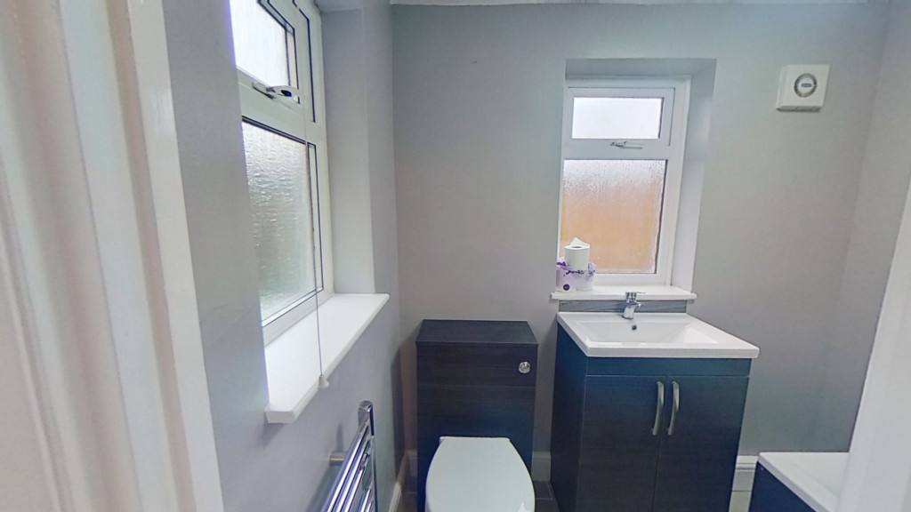 3 bed terraced house for sale in Curtis Road, Ashford 5