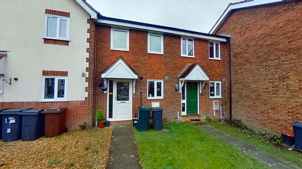 2 bed terraced house for sale in Park Wood Close, Ashford - Property Image 1