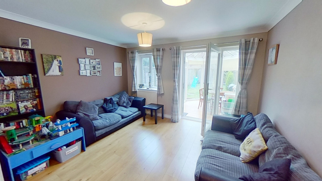 2 bed terraced house for sale in Park Wood Close, Ashford 3