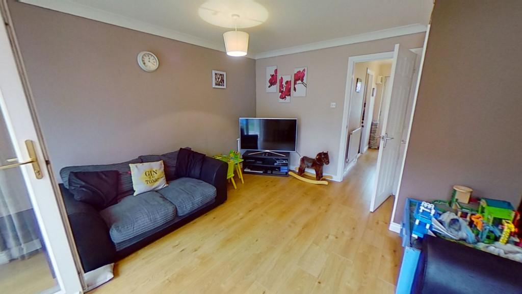 2 bed terraced house for sale in Park Wood Close, Ashford  - Property Image 5