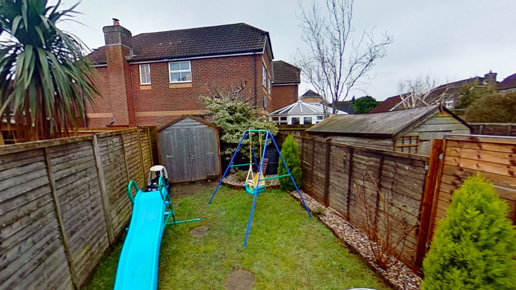 2 bed terraced house for sale in Park Wood Close, Ashford  - Property Image 11