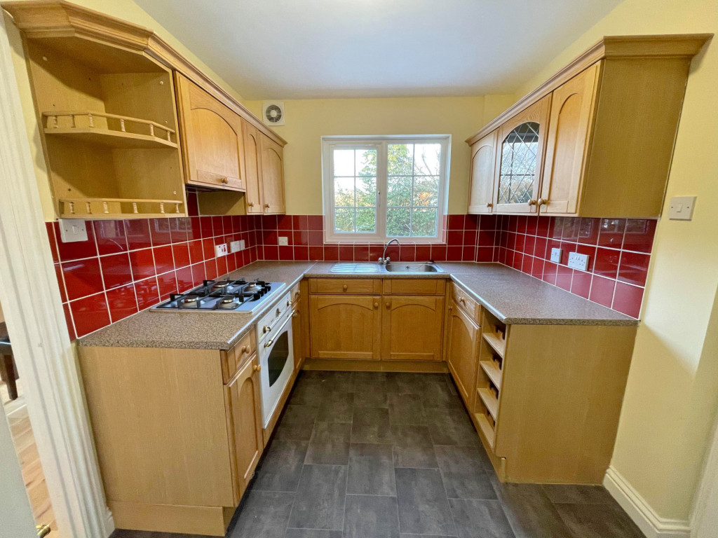 3 bed detached house to rent in South Motto, Park Farm, Ashford  - Property Image 4