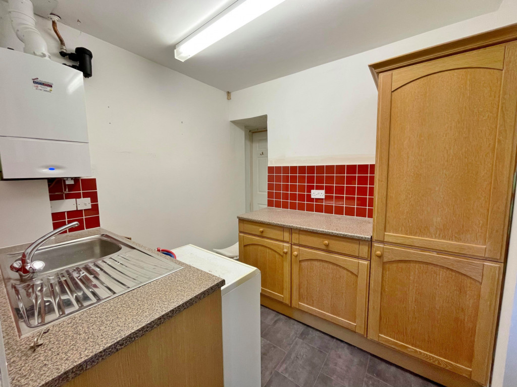 3 bed detached house to rent in South Motto, Park Farm, Ashford  - Property Image 5