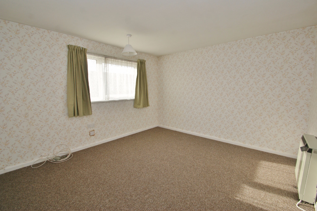 3 bed end of terrace house for sale in Brenchley Close, Ashford 5