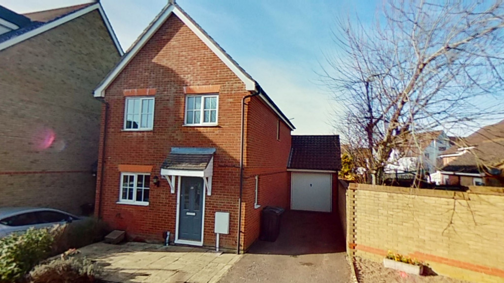 3 bed detached house for sale in Guernsey Way, Ashford  - Property Image 1