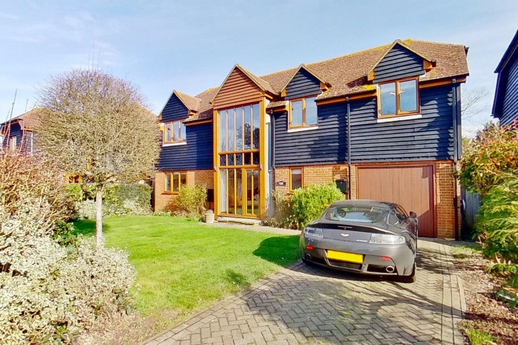 4 bed detached house for sale in Lookers Barn, Oasthouse Field, Ivychurch - Property Image 1