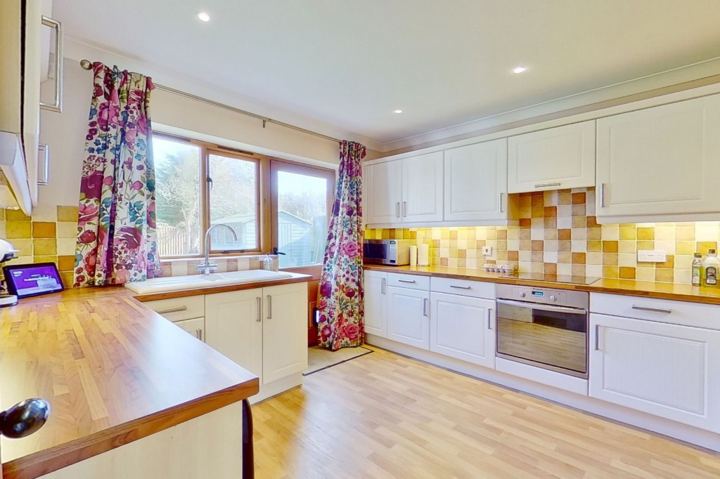 4 bed detached house for sale in Lookers Barn, Oasthouse Field, Ivychurch  - Property Image 4