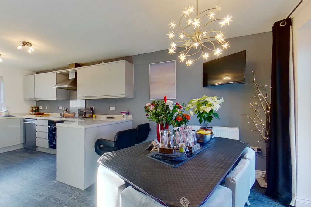 4 bed detached house for sale in Downsberry Road, Bridgefield, Ashford - Property Image 1