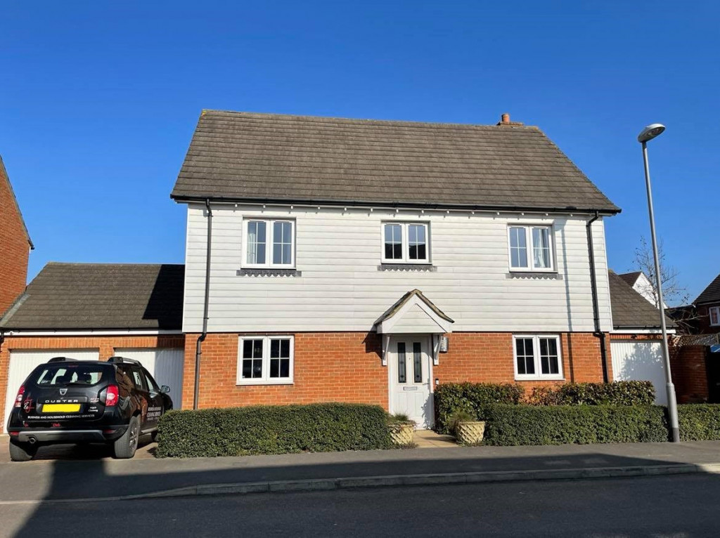 4 bed detached house for sale in Downsberry Road, Bridgefield, Ashford 1