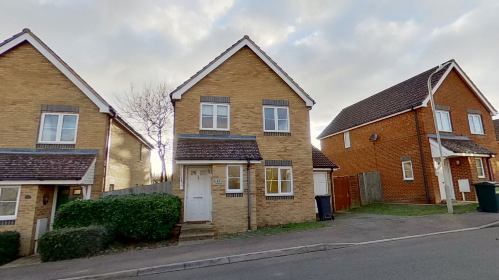3 bed detached house for sale in Lodge Wood Drive, Orchard Heights, Ashford 2