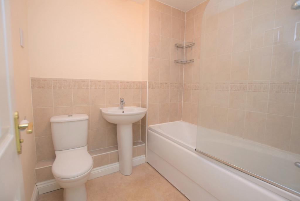 2 bed terraced house for sale in Bryony Drive, Ashford 4