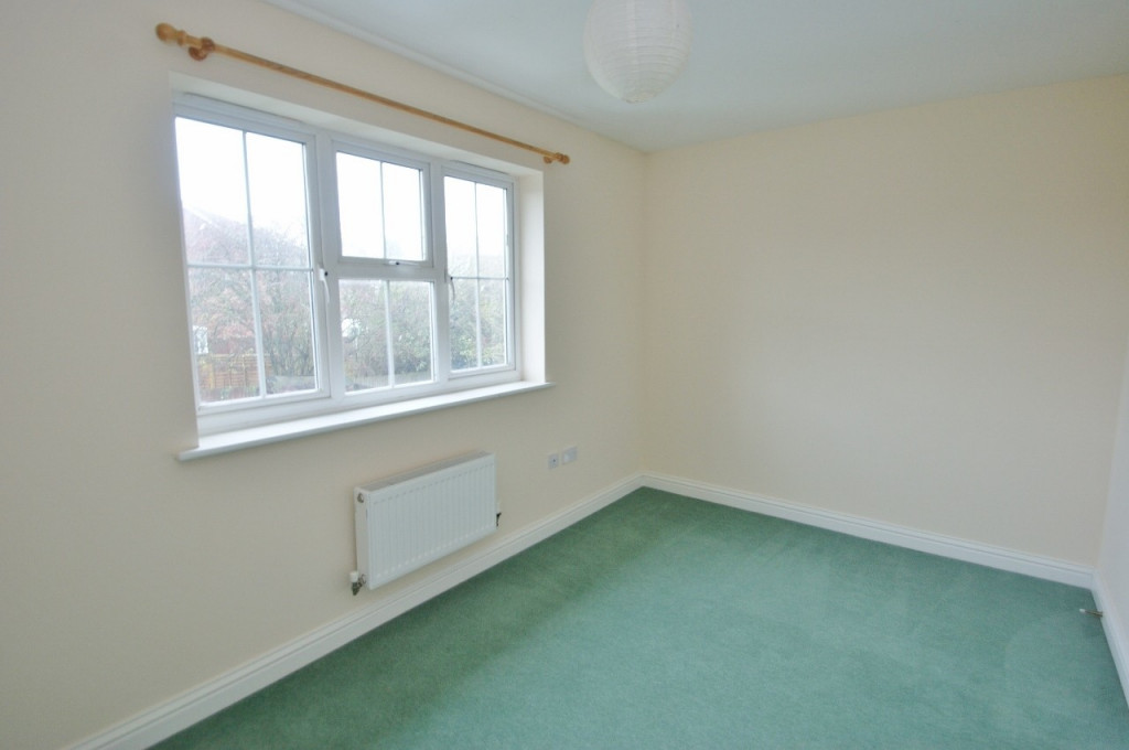 2 bed terraced house for sale in Bryony Drive, Ashford 6