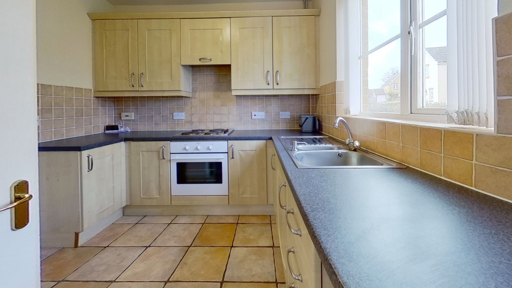 3 bed semi-detached house for sale in Lodge Wood Drive, Ashford 2