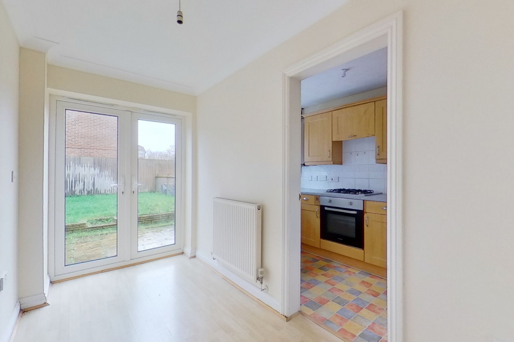 2 bed end of terrace house for sale in Manor House Drive, Kingsnorth, Ashford  - Property Image 5