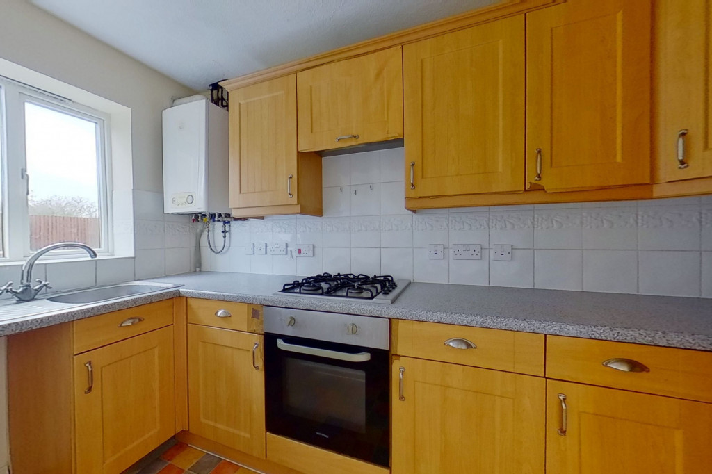 2 bed end of terrace house for sale in Manor House Drive, Kingsnorth, Ashford 5