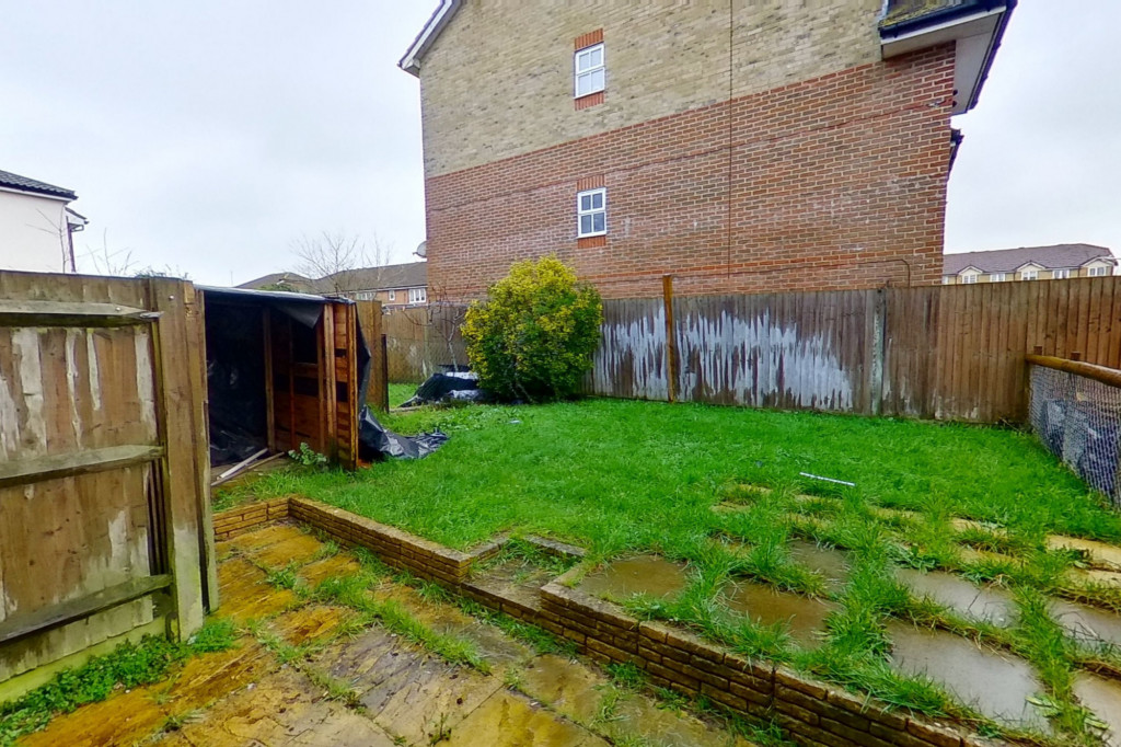 2 bed end of terrace house for sale in Manor House Drive, Kingsnorth, Ashford 9