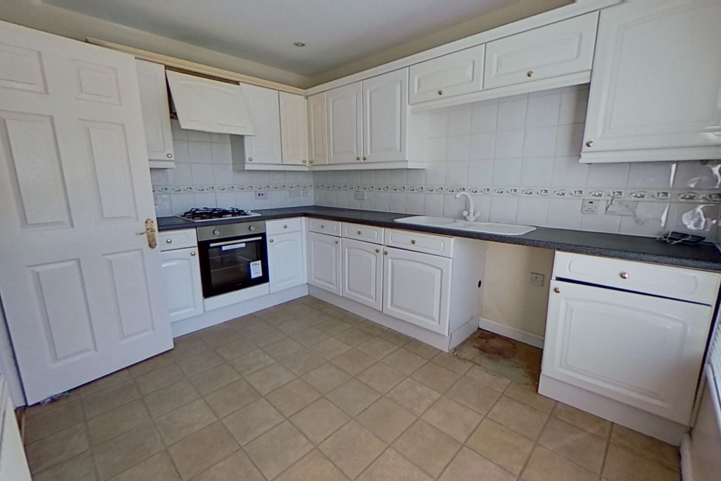 2 bed terraced house for sale in Wood Lane, Kingsnorth, Ashford 2