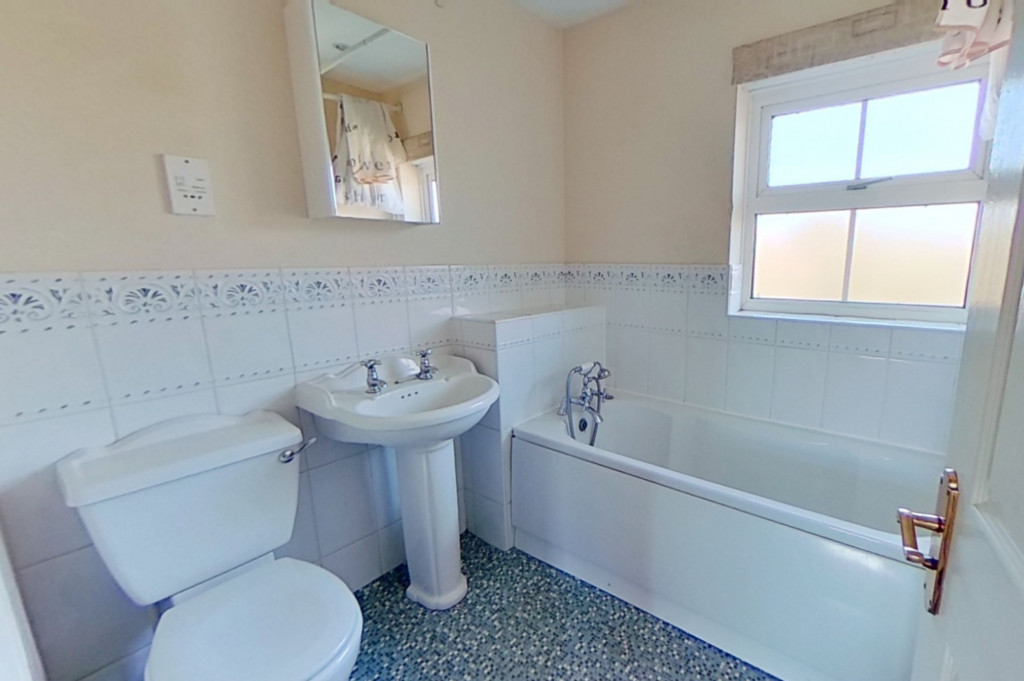 2 bed terraced house for sale in Wood Lane, Kingsnorth, Ashford  - Property Image 5