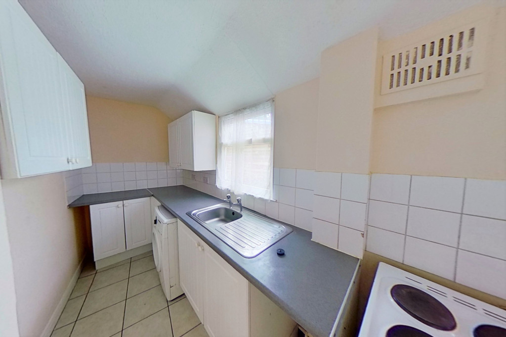 2 bed terraced house for sale in Tonbridge Road, Maidstone  - Property Image 4
