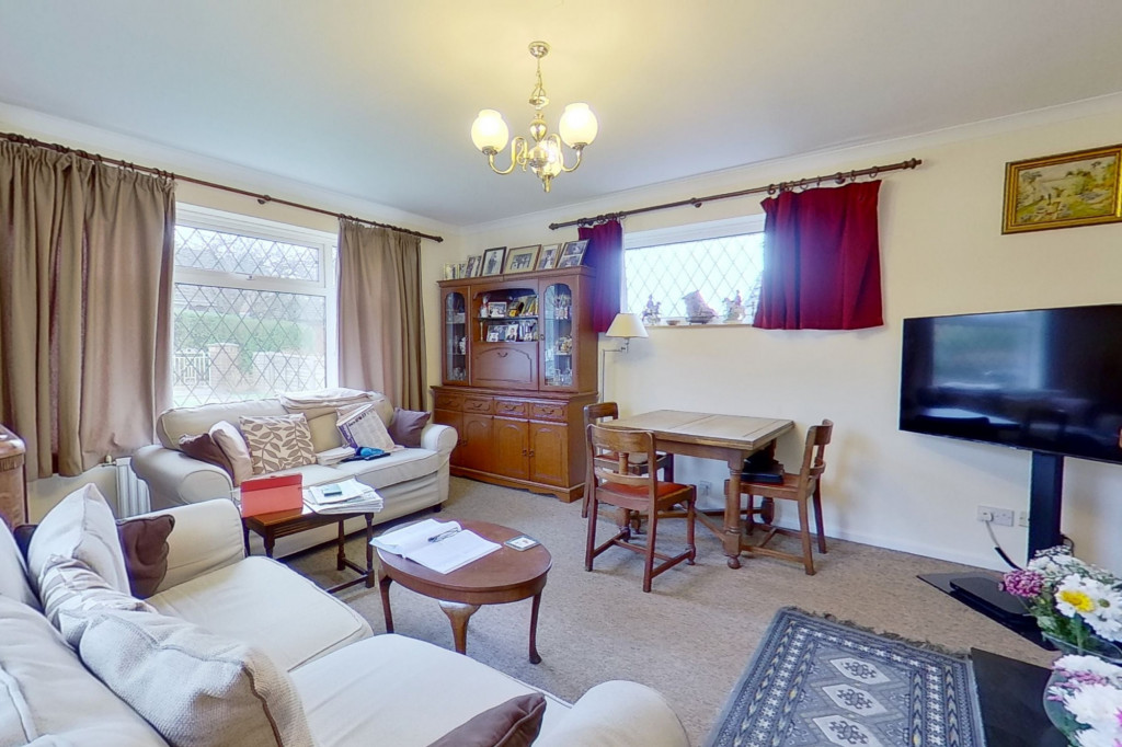2 bed bungalow for sale in Barrow Hill Rise, Sellindge  - Property Image 4