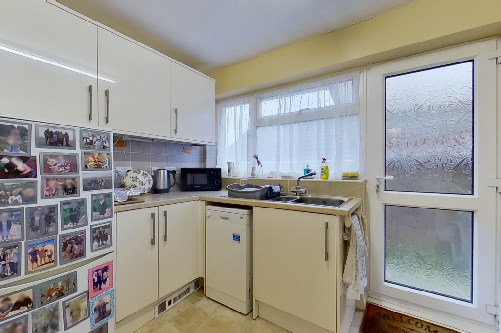 2 bed bungalow for sale in Barrow Hill Rise, Sellindge  - Property Image 6