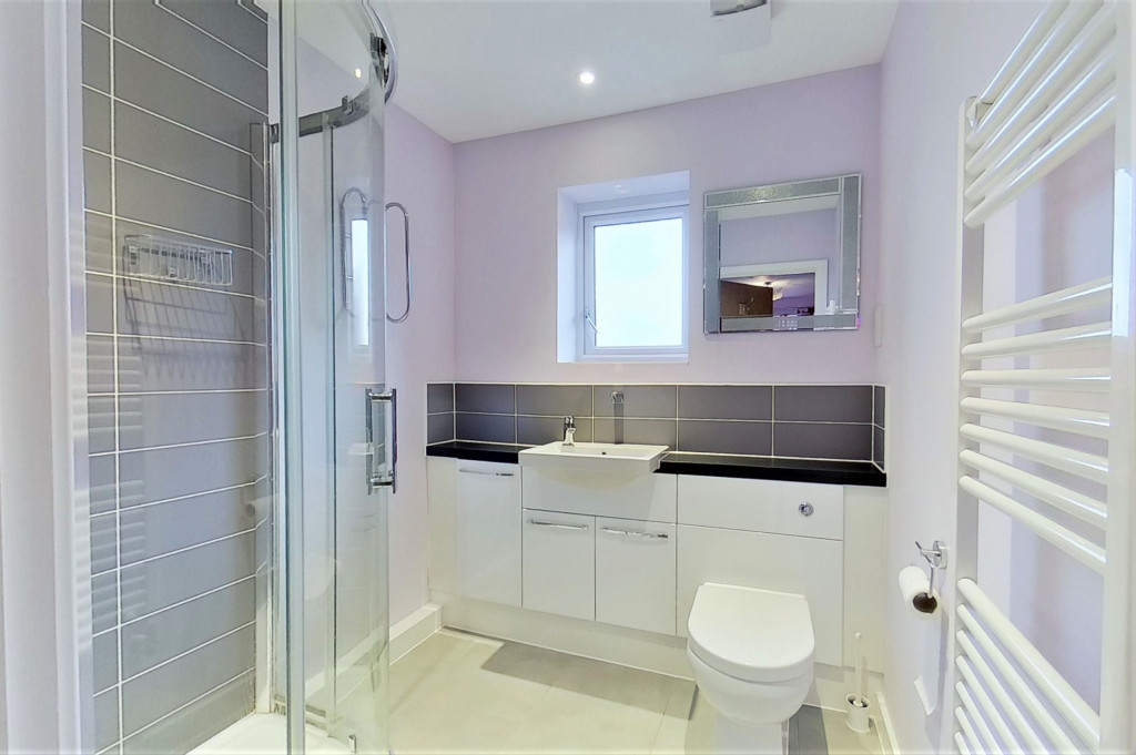 2 bed detached house for sale in Hythe Crescent, Ashford  - Property Image 10