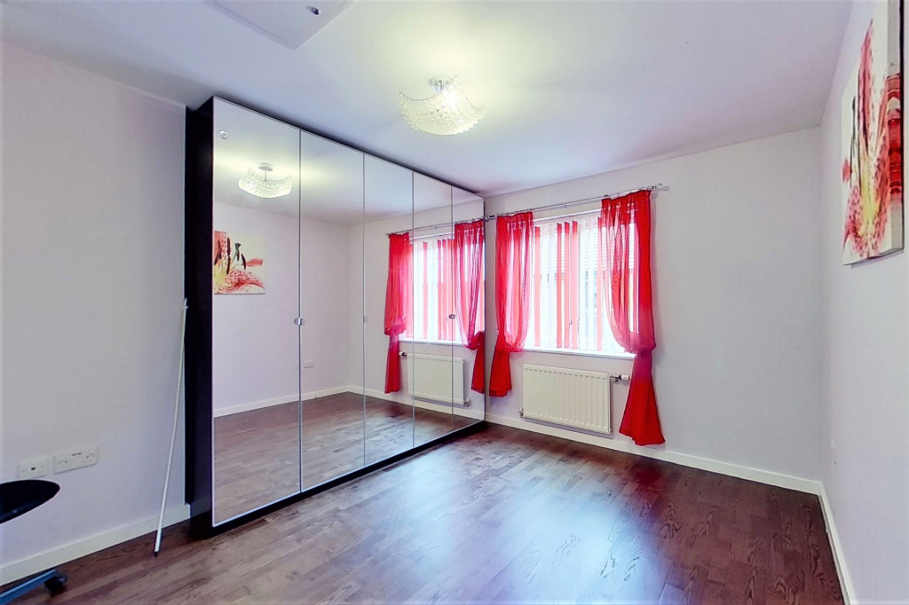 2 bed detached house for sale in Hythe Crescent, Ashford  - Property Image 11