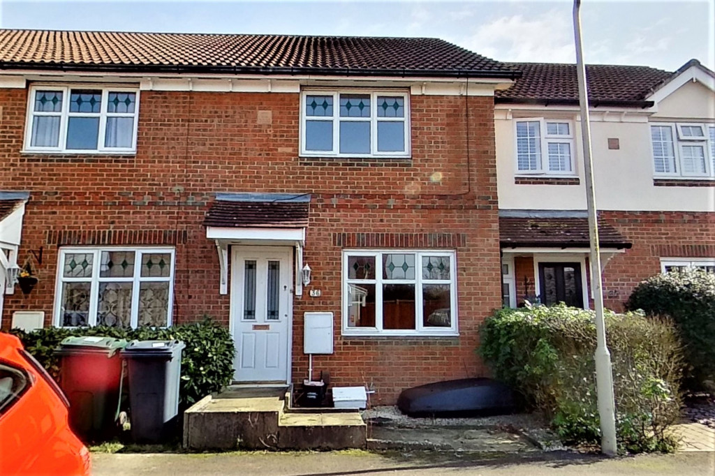 2 bed terraced house for sale in Chaffinch Drive, Ashford - Property Image 1