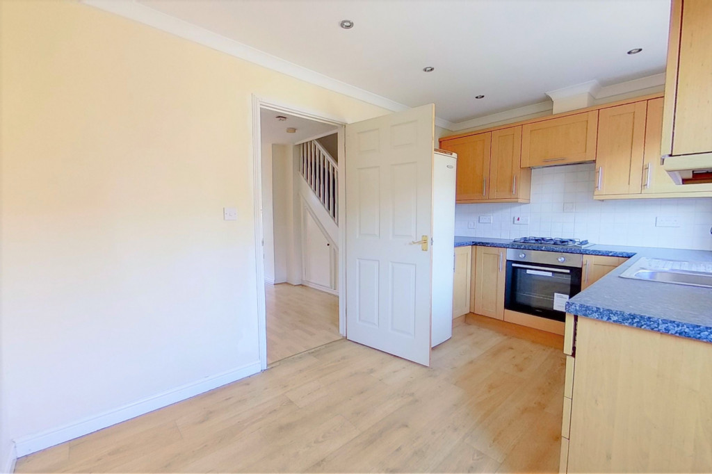2 bed terraced house for sale in Chaffinch Drive, Ashford 4