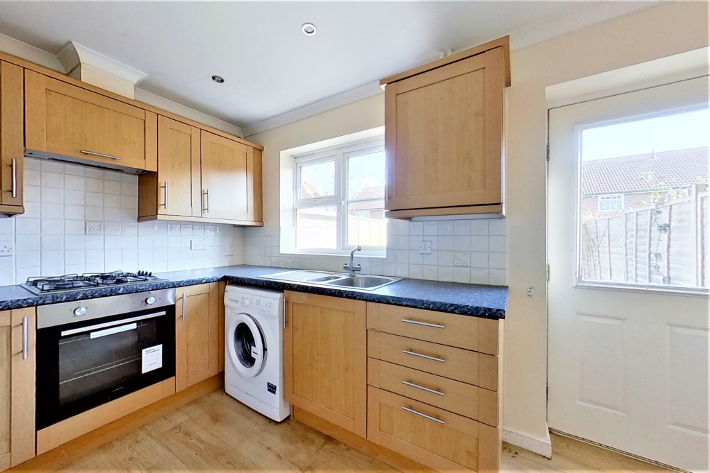 2 bed terraced house for sale in Chaffinch Drive, Ashford  - Property Image 6