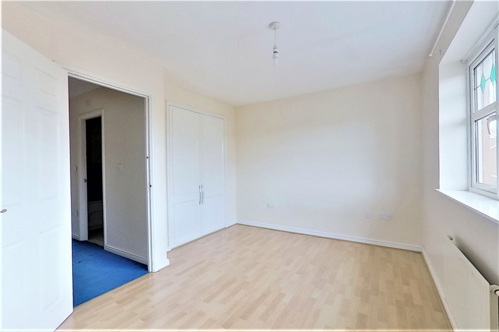 2 bed terraced house for sale in Chaffinch Drive, Ashford 6