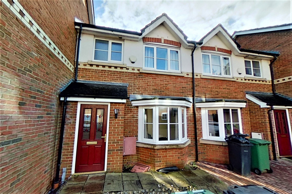 3 bed terraced house for sale in Bosman Close, Maidstone - Property Image 1