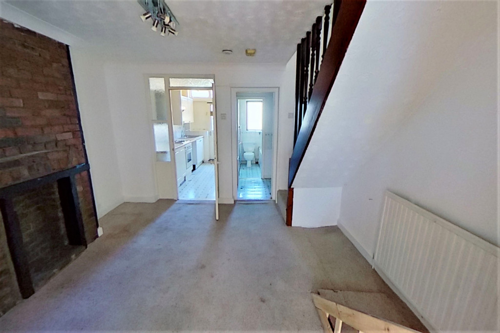 2 bed terraced house for sale in Perryfield Street, Maidstone 2