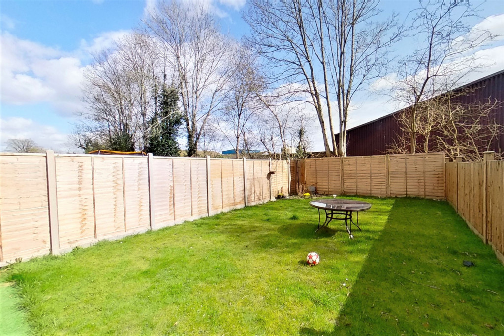 2 bed semi-detached house for sale in Kingsnorth Road, Kingsnorth, Ashford - Property Image 1
