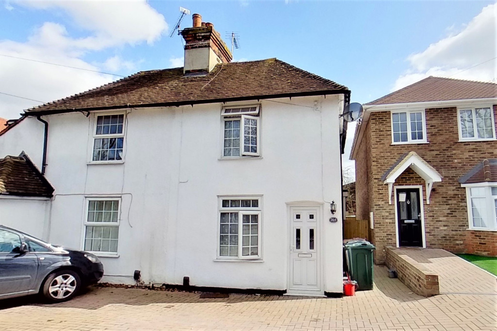 2 bed semi-detached house for sale in Kingsnorth Road, Kingsnorth, Ashford 1