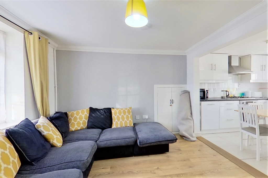 2 bed semi-detached house for sale in Kingsnorth Road, Kingsnorth, Ashford  - Property Image 4