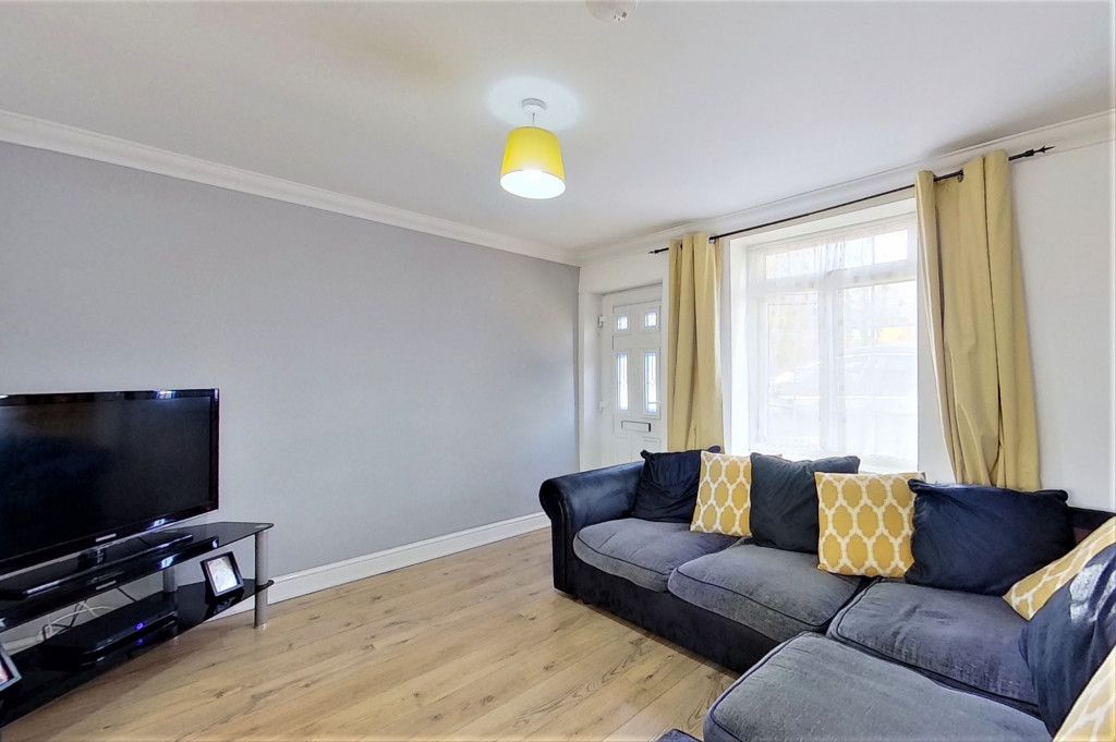 2 bed semi-detached house for sale in Kingsnorth Road, Kingsnorth, Ashford  - Property Image 5