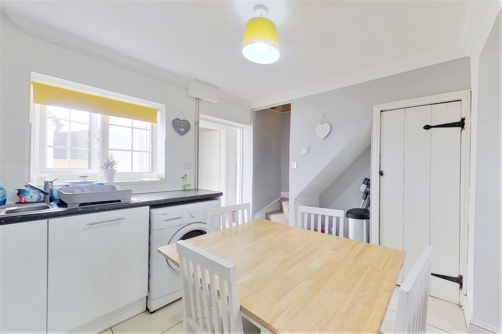 2 bed semi-detached house for sale in Kingsnorth Road, Kingsnorth, Ashford  - Property Image 6