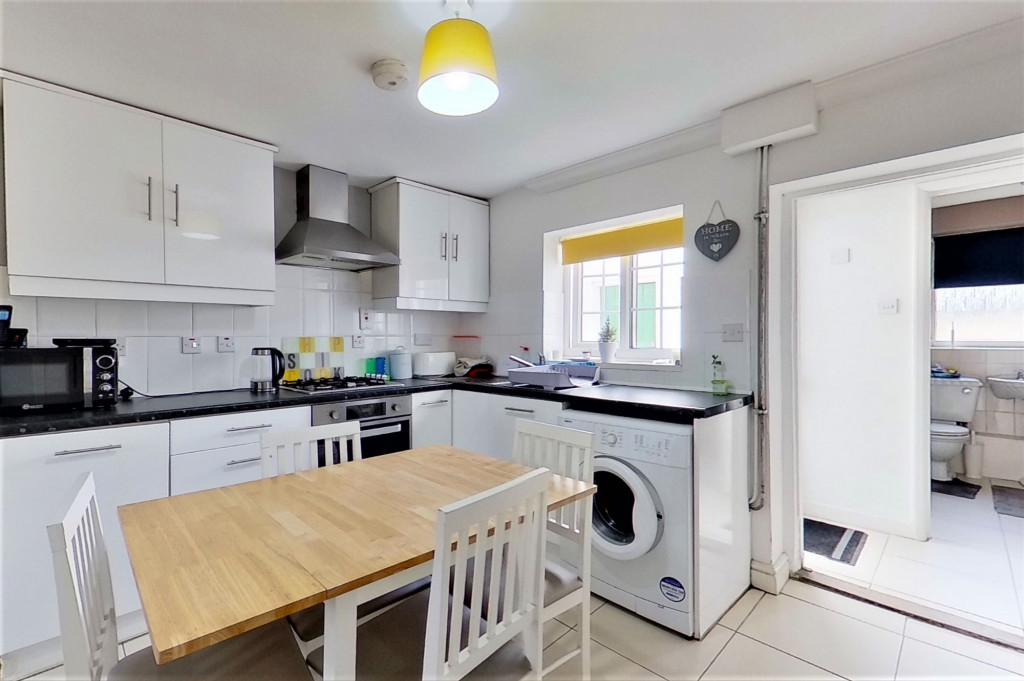2 bed semi-detached house for sale in Kingsnorth Road, Kingsnorth, Ashford  - Property Image 7